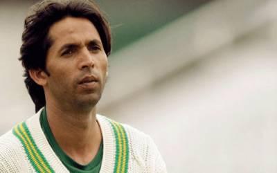 پاکستانی پیسر محمد آصف امریکا میں نئی راہیں تلاش کرنے لگے۔