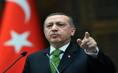 کرد جنگجووں کے کیمپوں کے خلاف کارروائی نہ ہونے کی صورت میں ترکی شمالی عراق پر حملہ کرے گا۔ ترک صدر