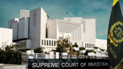 قوم کا پیسا مفت میں نہیں بٹے گا۔ قرضہ معاف کروانے والوں کو کسی بھی قیمت پر پیسے واپس دینے ہونگے, چیف جسٹس آف پاکستان