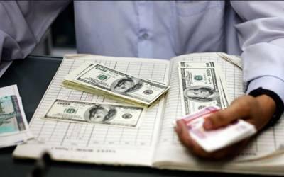 انٹربینک مارکیٹ میں ڈالر کی اونچی اڑان۔ ڈالر 120 روپے تک جا پہنچا۔