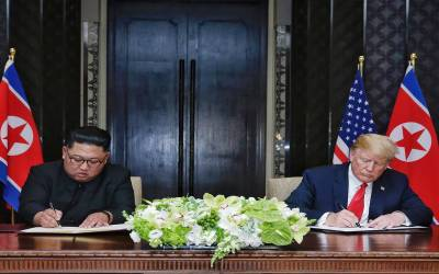 ڈونلڈ ٹرمپ اور کم جونگ ان کی تاریخی ملاقات میں بڑے عہدو پیماں کئے گئے
