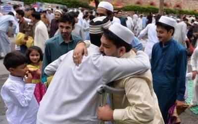 لاہور میں عید کے سیکڑوں اجتماعات میں لاکھوں فرزندان اسلام نے نماز عید ادا کی