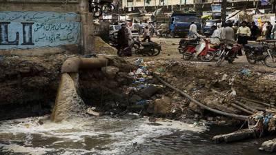 Citizen worried due to bad sewage system in Karachi