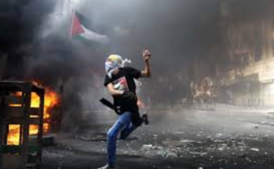 Israeli forces kill medic, wound 100 protesters in Gaza unrest