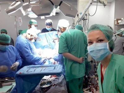 پاکستان میں پہلیمرتبہ مریضہ کو مصنوعی دل لگانے کا آپریشن کامیابی کے ساتھ مکمل ہوگیا ہے۔