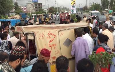 گوجرانوالہ میں رکشے پر نامعلوم افراد کی فائرنگ سے خاتون سمیت تین افراد جاں بحق