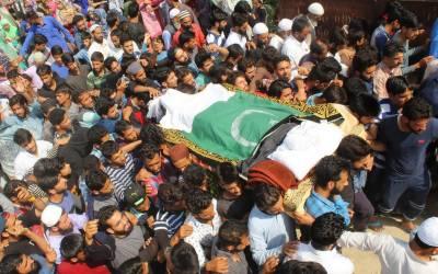 مقبوضہ کشمیر میں ہڑتال، 4 شہدا سپر دخاک،25 زخمی سرینگر منتقل