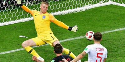کروشیا نے روس میں جاری فیفا فٹبال ورلڈ کپ کے فائنل کے لیے کوالیفائی کرلیا۔