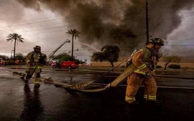 امریکہ: فوڈ سٹور میں آتشزدگی سے عمارت تباہ، کئی گھنٹوں بعد آگ پر قابو پالیا