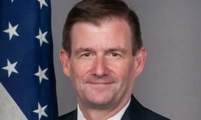 امریکا نے افغانستان میں اہداف کے حصول کیلئے پاکستان میں تعینات سفیر کو نیا عہدہ سونپ دیا۔