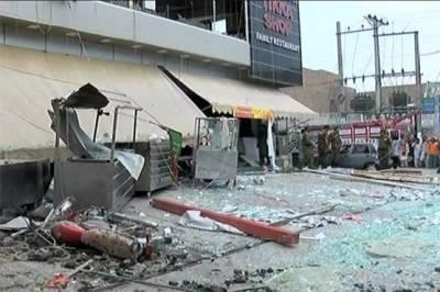 ملتان میں سلنڈر دھماکے سے نجی ہوٹل کی چھت گر گئی