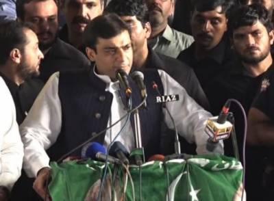 عوام 25جولائی کوووٹ دے کر جیل کا پھاٹک توڑ دیں گے، عمران خان نے 5سال الزامات کی سیاست کی ہے۔حمزہ شہباز