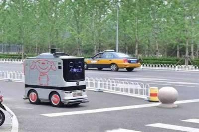 چین میں کھانا گھروں میں پہنچانے کیلئے ڈلیوری روبوٹس کا استعمال