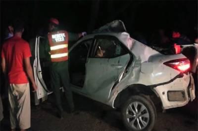 خانیوال میں کار کی ٹکر سے چار افراد ہلاک،