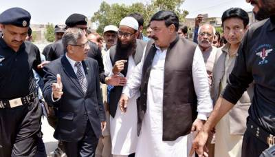 CJP to hear Sheikh Rasheed's plea against NA-60 poll delay in Lahore today