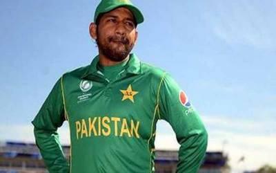 پاکستان کرکٹ ٹیم کے کپتان سرفراز احمد زمبابوے سے کامیابیاں سمیٹنے کے بعد کراچی واپس پہنچ گئے۔