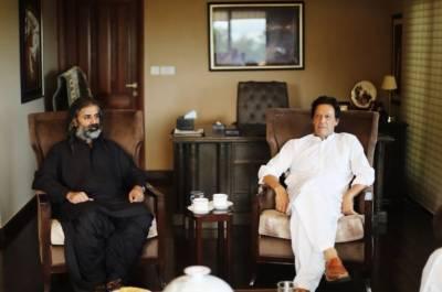 جمہوری وطن پارٹی کے سربراہ شاہ زین بگٹی نے وزیراعظم کے انتخاب کیلئے کپتان کی حمایت کا اعلان کردیا