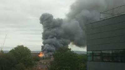 مانچسٹر:ارڈوک میں نٹ ویئرکی فیکٹری میں لگنےوالی آگ پرقابوپالیاگیا