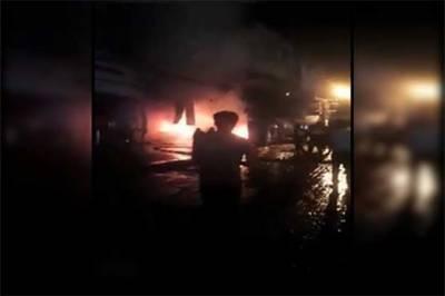 راولپنڈی کے کمرشل مارکیٹ علاقے میں واقع ایک پلازا کے تہ کھانے میں آگ لگ گئی