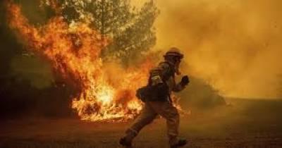 امریکی ریاست کیلیفورنیا میں آٹھ مقامات پر لگی آگ پر اب تک قابو نہیں پایا جا سکا