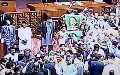 قومی اسمبلی میں عام انتخابات 2018ء میں مبینہ دھاندلی کے خلاف شدید احتجاج کا سلسلہ شروع