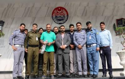 قومی کرکٹ ٹیم کے سابق کپتان عامر سہیل کی پنجاب سیف سٹیز اتھارٹی آمد,عامر سہیل نے سیف سٹی راستہ ایف ایم 88.6 پر لائیو پروگرام میں شرکت کی
