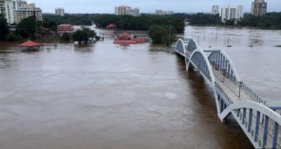 India monsoon floods 'kill 106' in Kerala