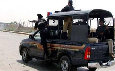 کراچی میں پولیس مقابلہ، ڈاکو ہلاک،7 ملزمان گرفتار