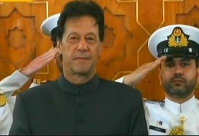 صدر مملکت ممنون حسین نے عمران خان سے وزیراعظم کے عہدے کا حلف لیا