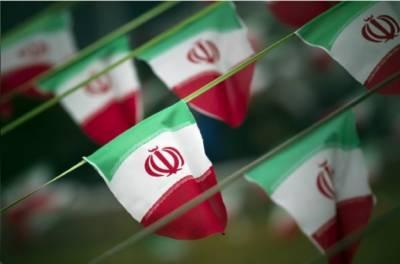 خلیج میں بڑھتی کشیدگی کے پیش نظر ایرانی بحریہ نے نیا دفاعی نظام تیار کرلیا،
