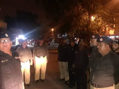کراچی کے مختلف علاقوں میں پولیس نے کارروا ئی اور کومبنگ آپریشن کرتے ہوئے18 افراد کو حرارست میں لے لیا۔