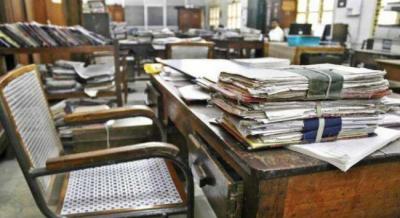چھٹیاں ختم: پنجاب اور کے پی میں دفاتر کھل گئے، حاضری معمول سے کم