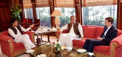 وزیراعظم عمران خان سے سبکدوش ہونے والے امریکی سفیر ڈیوڈ ہیل کی الوداعی ملاقات، دو طرفہ تعلقات پر تبادلہ خیال کیا گیا