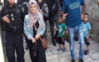 مقبوضہ بیت المقدس مسجد اقصیٰ سے باہر نکلتے ہوئے 1فلسطینی لڑکی گرفتار