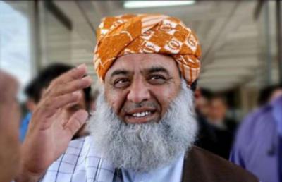 صدارتی انتخاب کی دوڑ، حمایت کا ٹوکرا اٹھائے مولانا فضل الرحمن کراچی پہنچے آئے