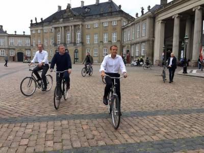 فرانسیسی صدر میکرون اور ڈنمارک کے وزیراعظم لارکس لوک ریسمسن نے سائیکل پر کوپن ہیگن کا دورہ کیا،