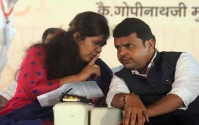 """بھارت:""""تبادلہ کرو یاطلاق دلاﺅ"""" استاتذہ کا مہاراشٹر حکومت سے مطالبہ"""