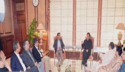 وزیراعظم ہاؤس میں عمران خان سے گورنر سندھ عمران اسماعیل اور ایم کیو ایم کے وفد کی ملاقات، کراچی کی موجودہ صورتحال, عوام کو درپیش مسائل پر گفتگو
