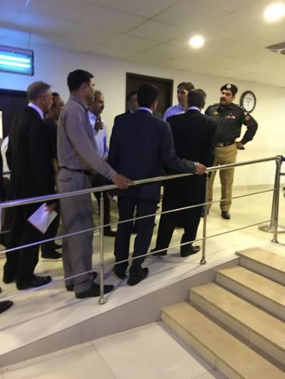 شراب، منشیات برآمد ہونےکے بعد شرجیل میمن سینٹرل جیل منتقل، اسپتال کا کمرہ سربمہر