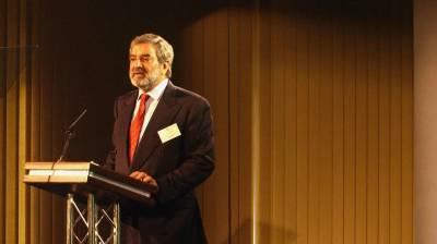 سابق صدرانٹرنیشنل کرکٹ کونسل احسان مانی پی سی بی کے بلا مقابلہ چیئرمین منتخب ہو گئے