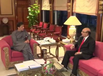 وزیراعظم عمران خان سے صدر آزاد جموں و کشمیر سردار مسعود خان کی وزیراعظم آفس میں ملاقات۔