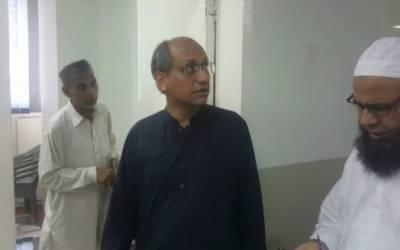 صوبائی وزیر بلدیات کا مختلف سرکاری دفاتر کا اچانک دورہ