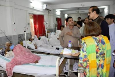 وزیرر صحت عامر محمود کیانی نے پولی کلینک اسپتال کا دورہ کیا