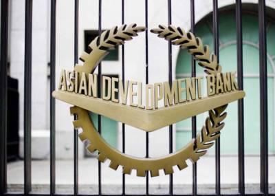 36 ممالک میں سے پاکستان مالیاتی خسارہ کا سامنا کرنے والا تیسرا بڑا ملک ہے۔ اے ڈی بی