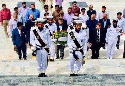 قائد اعظم کی برسی کے موقع پر مئیر کراچی وسیم اختر کی مزار قائد پر حاضری