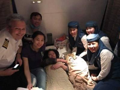 سعودی پرواز میں فلپائنی خاتون نے بچے کو جنم دیدیا۔