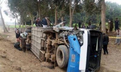 بہاولپور: مسافر بس الٹنے سے 3 افراد جاں بحق