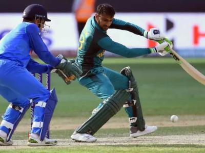پاکستان اور بھارت کی ٹیموں کے درمیان کانٹے دار مقابلہ جاری