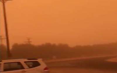 کویت میں گرد وغبارکا طوفان، دن میں رات کا سماں