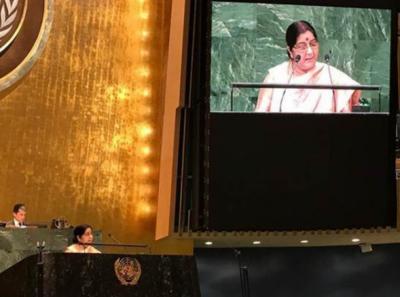 بھارت میں دہشت گردی پاکستان سے آتی ہے، سشما سوراج کی ہرزہ سرائی